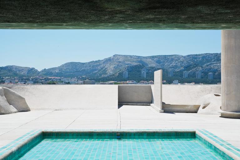 bazén s výhledem